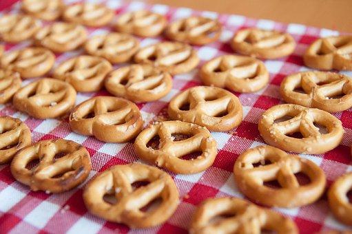 galletas sobre mantel