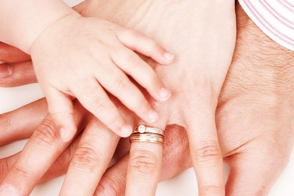 manos familia