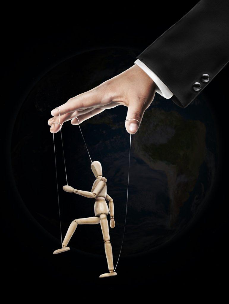 mano y marioneta
